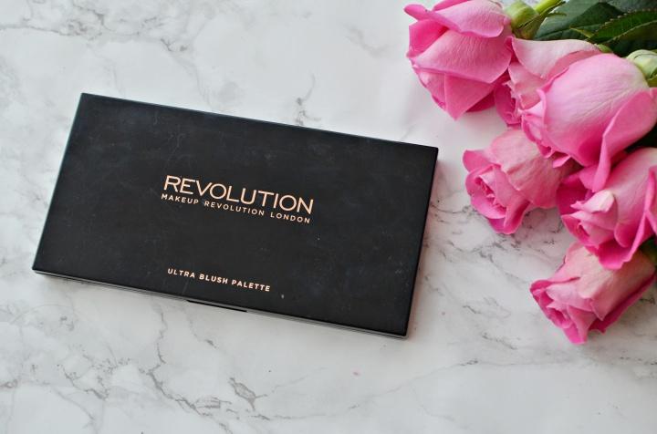 revolution-bluah-palette