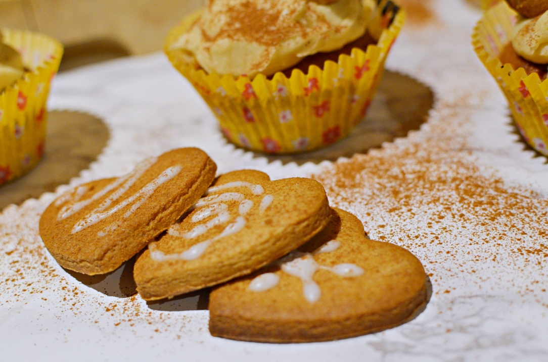 gingerbread-cupcakes-4