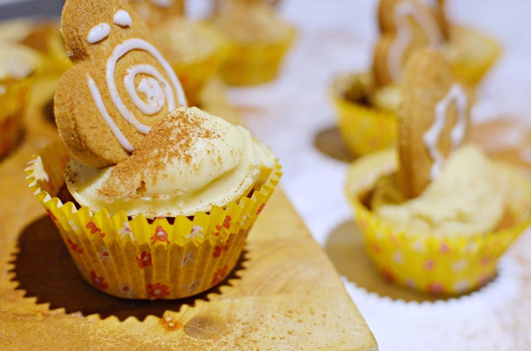 gingerbread-cupcakes-5