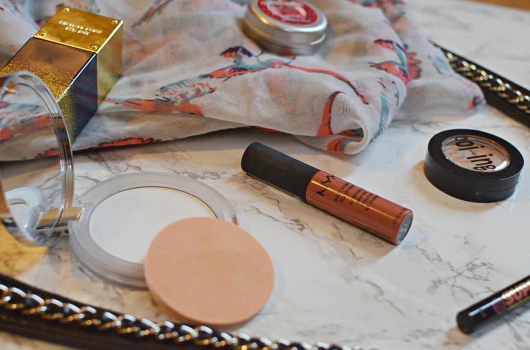 hanbag-beauty-essentials