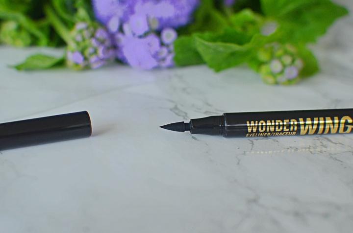 Rimmel Wonderwing 1