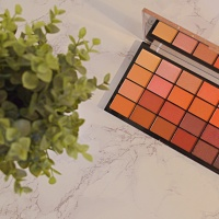 New   Makeup Revolution Life On the Dance Floor palette in Guest List