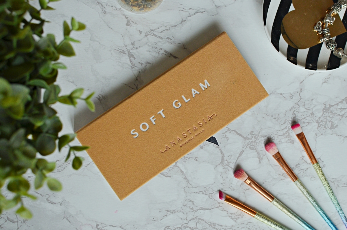 New | ABH Soft Glam Palette